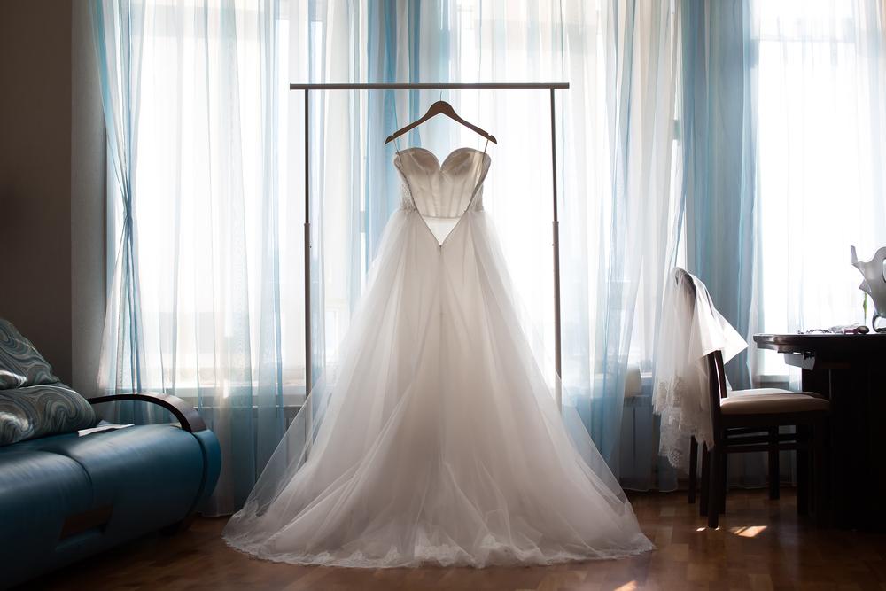 海外挙式にドレスを持ち込む?ドレスの手配方法