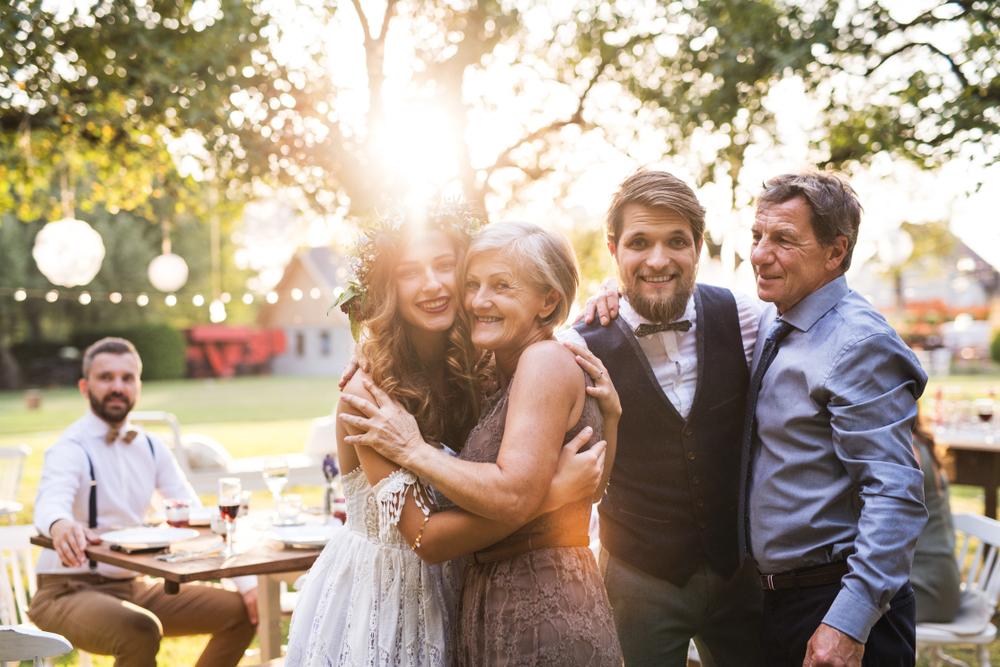 家族写真でハワイ挙式の最高の思い出を!おしゃれなアイデアをご紹介