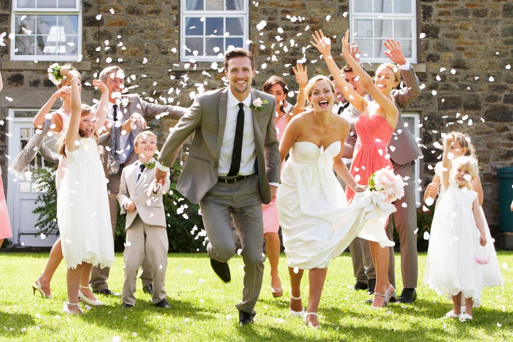 花嫁に秘密のサプライズ!二度とない結婚式演出で花嫁に涙